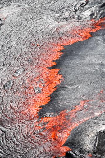 Basalt「February 8, 2008 - Lava flowing from under crust of active lava lake, Erta Ale volcano, Afar Region, Danakil Depression, Ethiopia.」:スマホ壁紙(3)
