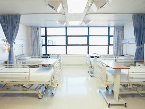 Preparation「Empty hospital room with beds」:スマホ壁紙(13)