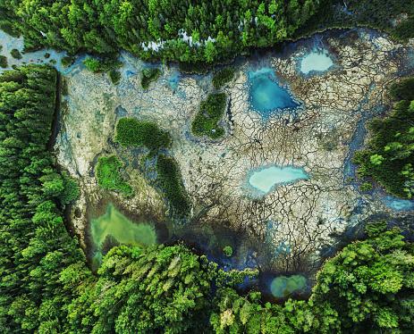 塩湖「高ミネラル含有量湿地」:スマホ壁紙(14)