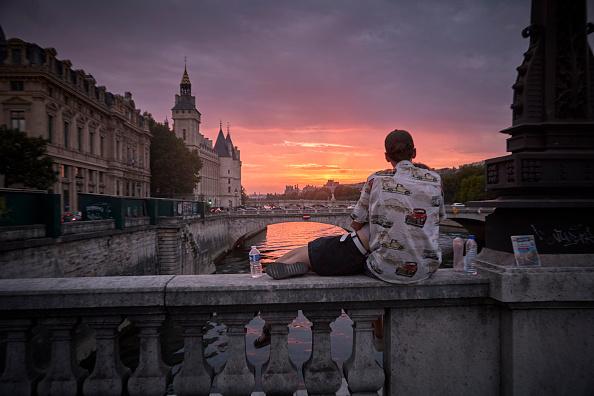 France「Paris Gripped In A Pandemic Heatwave」:写真・画像(8)[壁紙.com]