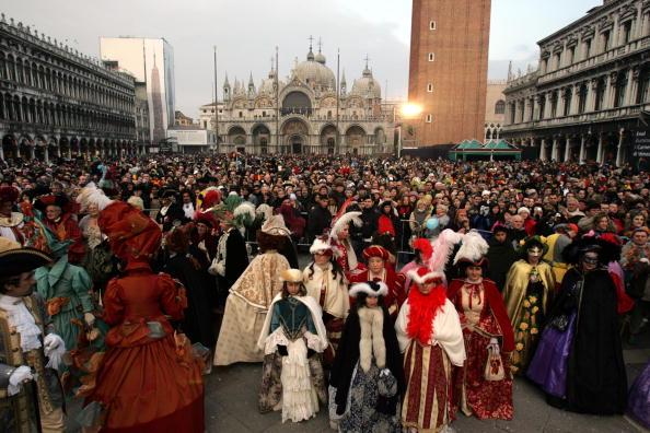 バシリカ「Venice Celebrates Carnival」:写真・画像(8)[壁紙.com]