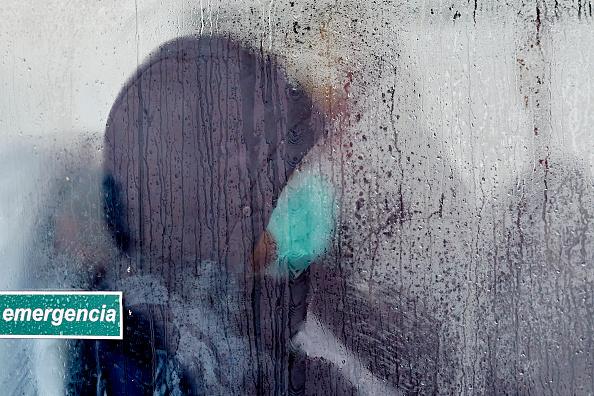 Carlos Alvarez「Spain Extends Stricter Coronavirus Lockdown As Death Toll Continues To Rise」:写真・画像(14)[壁紙.com]