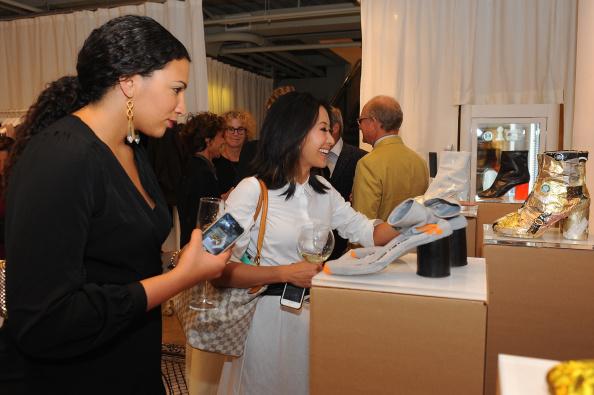"Condiment「Maison Martin Margiela & Relish Join Forces For ""Tabi Shoe Maker"" Exhibition」:写真・画像(9)[壁紙.com]"