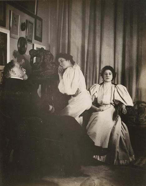 Edgar Degas「Self-Portrait With Christine And Yvonne Lerolle」:写真・画像(2)[壁紙.com]