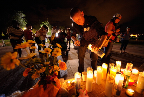 Movie「Colorado Community Mourns In Aftermath Of Deadly Movie Theater Shooting」:写真・画像(10)[壁紙.com]