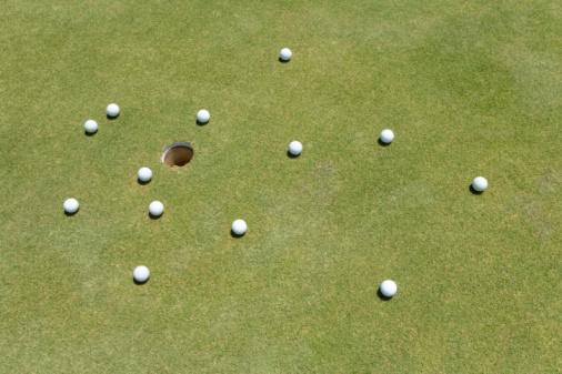 Northern Mariana Islands「Golf Balls on Green」:スマホ壁紙(1)