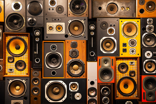 Old-fashioned「Wall of retro vintage style Music sound speakers」:スマホ壁紙(16)