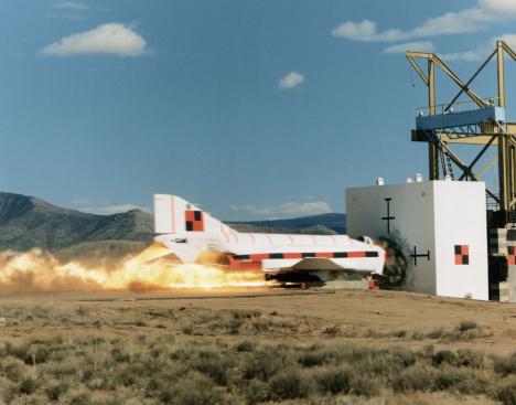 Crash Test「Rocket Sled Test of F-4 Phantom Jet」:スマホ壁紙(19)