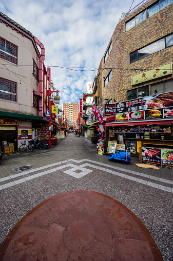Retail Place「Japan, Kobe, pedestrian area with buildings」:スマホ壁紙(13)