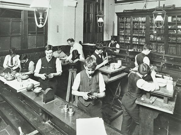 Bench「Technical Instruction, Haselrigge Road School, Clapham, London, 1914. .」:写真・画像(18)[壁紙.com]