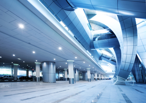 Elevated Walkway「Modern Airport Architecture」:スマホ壁紙(17)