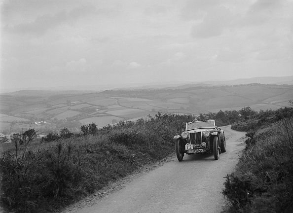 Grove「MG TA of NH Grove competing in the MCC Torquay Rally, 1938」:写真・画像(15)[壁紙.com]