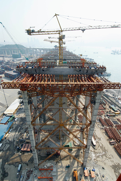 Architectural Column「Approach viaducts supported on extensive falsework at Stonecutters Bridge in Hong Kong」:写真・画像(15)[壁紙.com]