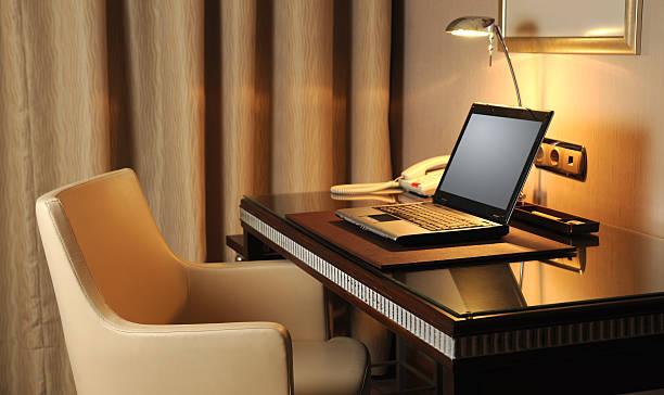 Internet Service in the Hotel Room:スマホ壁紙(壁紙.com)