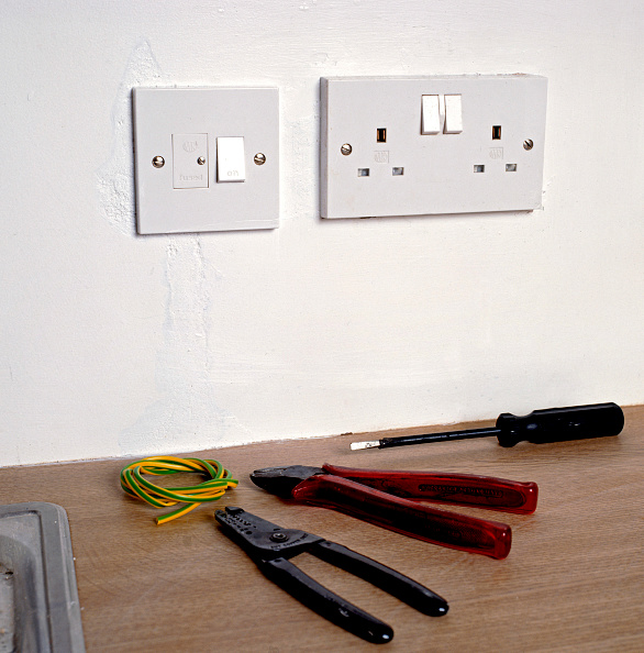Two Objects「New plug sockets chased into a wall」:写真・画像(4)[壁紙.com]