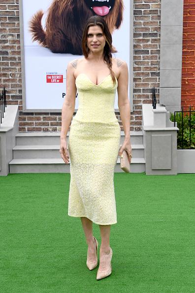Yellow Dress「Premiere Of Universal Pictures' 'The Secret Life Of Pets 2' - Arrivals」:写真・画像(12)[壁紙.com]