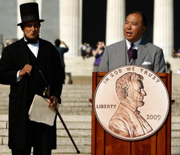 Politics「U.S. Mint Unveils Design For Lincoln Bicentennial Penny」:写真・画像(5)[壁紙.com]