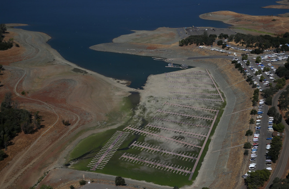 Sequential Series「Statewide Drought Takes Toll On California's Lake Oroville Water Level」:写真・画像(10)[壁紙.com]