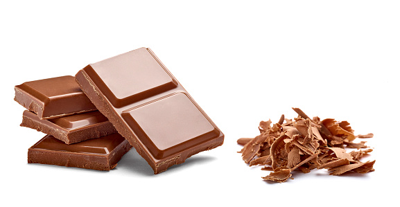 Chocolate「Chocolate bar and chocolate shaving on white background」:スマホ壁紙(5)