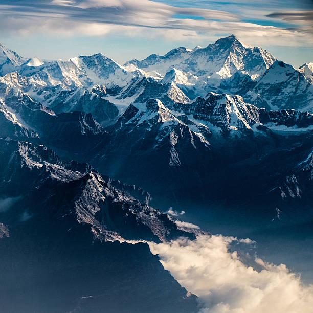 山のピークのネパールヒマラヤ:スマホ壁紙(壁紙.com)