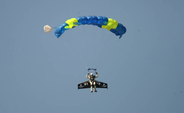 Jetman Attempts To Be First To Cross The Channel Using A Jetpack:ニュース(壁紙.com)