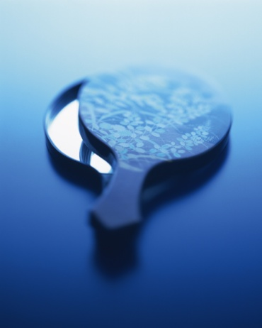 Hand Mirror「A Japanese hand mirror, Close Up, High Angle View, Toned Image」:スマホ壁紙(9)