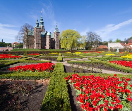 Denmark「Flower bed infront of Rosenborg Castle」:スマホ壁紙(12)