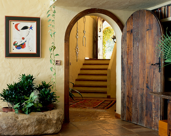 Rug「View of a doorway leading to a staircase」:写真・画像(17)[壁紙.com]