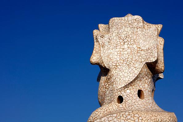アントニ・ガウディ「View of a detail of the exterior of Casa Mila」:写真・画像(17)[壁紙.com]