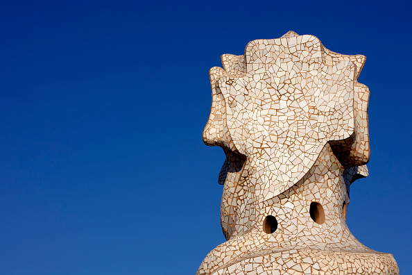 アントニ・ガウディ「View of a detail of the exterior of Casa Mila」:写真・画像(14)[壁紙.com]