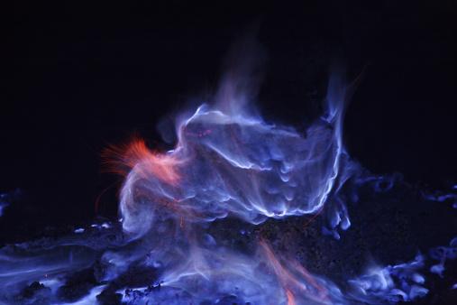 Lava「June 16, 2008 - Kawah Ijen, burning sulfur, Java Island, Indonesia.」:スマホ壁紙(12)