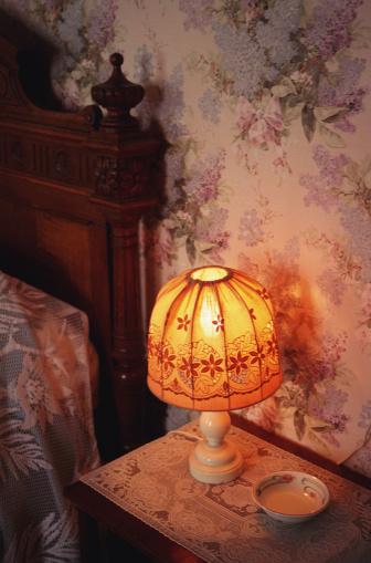 Duvet「Roquemaure,France - Headboard and lamp」:スマホ壁紙(14)