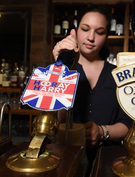 Finance and Economy「The Brakspear Brewery - Horray For Harry Beer」:写真・画像(8)[壁紙.com]