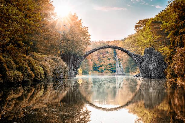 Arch Bridge (Rakotzbrucke) at Autumn:スマホ壁紙(壁紙.com)