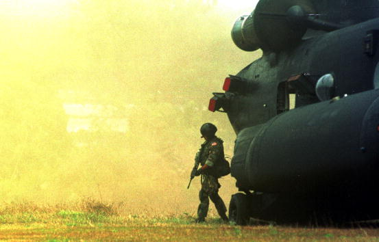 CH-47 Chinook「U.S. Special Forces In Southern Philippines」:写真・画像(6)[壁紙.com]