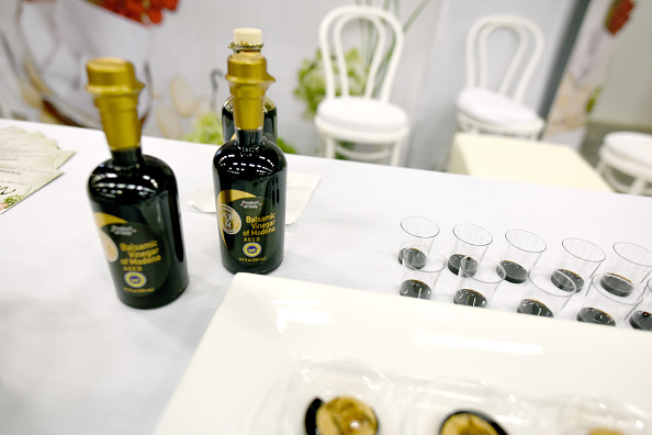 Vinegar「Food Network & Cooking Channel New York City Wine & Food Festival Presented By Coca-Cola - Grand Tasting presented by ShopRite featuring Samsung® Culinary Demonstrations presented by Mastercard」:写真・画像(14)[壁紙.com]