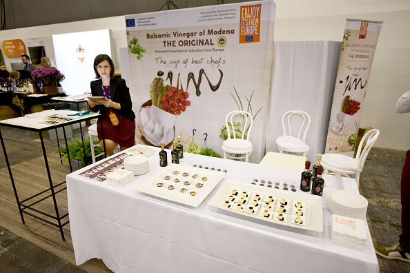 Vinegar「Food Network & Cooking Channel New York City Wine & Food Festival Presented By Coca-Cola - Grand Tasting presented by ShopRite featuring Samsung® Culinary Demonstrations presented by Mastercard」:写真・画像(19)[壁紙.com]