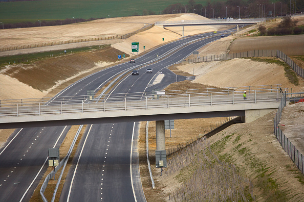Planting「View of Baldock bybass on the A505 The £43 million project opened in March 2006 includes tunnel, footbridge, overbridges and has been constructed using 'cut and cover' technique The hills have been reformed using the chalk covering the cut and embankment」:写真・画像(14)[壁紙.com]