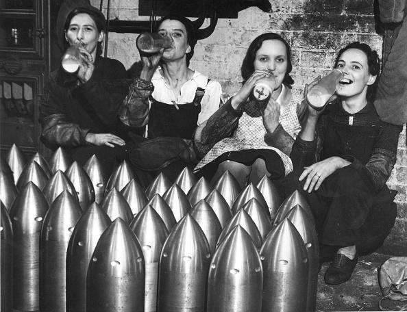 Fred Morley「Armoury MIlk Drinkers」:写真・画像(0)[壁紙.com]