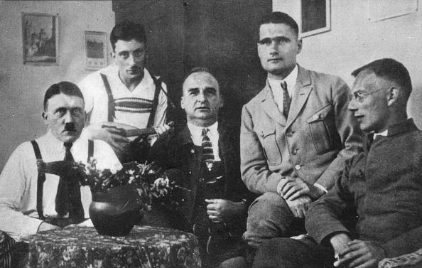 Traditional Clothing「Prisoners Privilege」:写真・画像(12)[壁紙.com]