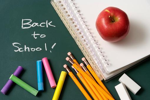 Chalk - Art Equipment「Back to school written on a blackboard with school supplies」:スマホ壁紙(10)