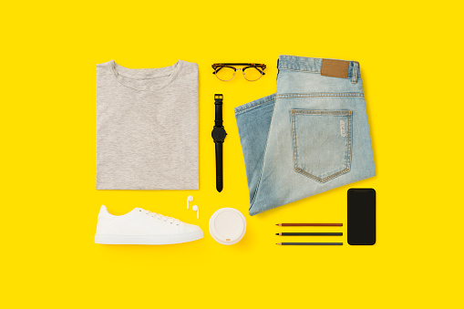 Menswear「Back to school flat lay on yellow background.」:スマホ壁紙(14)