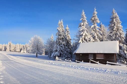 雪山「アルパインハットの」:スマホ壁紙(0)