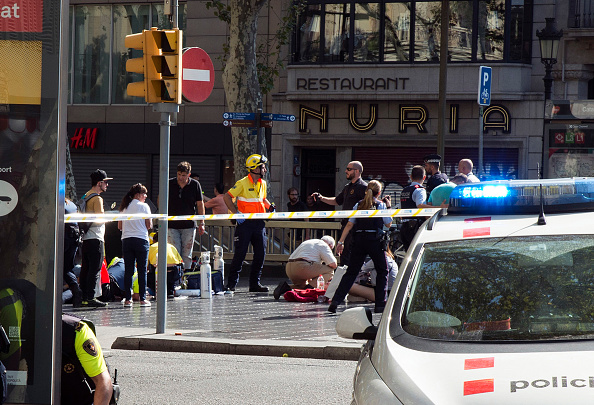 Terrorism「Thirteen Dead And Dozens Injured As Van Hits Crowds in Barcelona's Las Ramblas Area」:写真・画像(3)[壁紙.com]