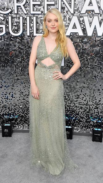 Dakota Fanning「26th Annual Screen ActorsGuild Awards - Red Carpet」:写真・画像(14)[壁紙.com]