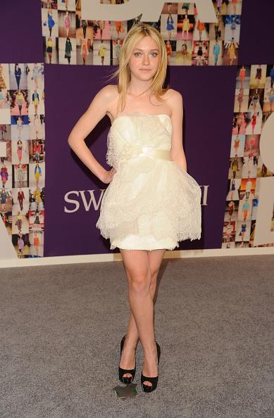 Mini Dress「2010 CFDA Fashion Awards - Arrivals」:写真・画像(15)[壁紙.com]