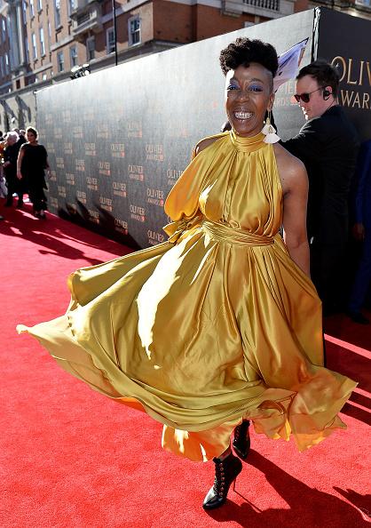 Yellow Dress「The Olivier Awards 2017 - VIP Arrivals」:写真・画像(2)[壁紙.com]