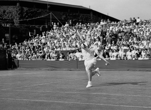 Lew Hoad「Wimbledon Lawn Tennis Championships」:写真・画像(15)[壁紙.com]