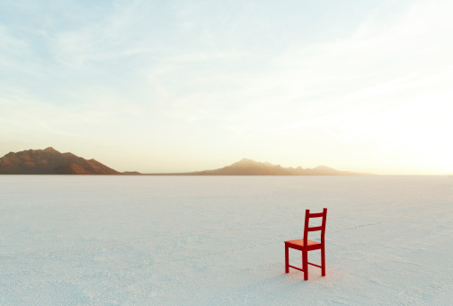 Arid Climate「Red Chair on salt flats, facing the distance」:スマホ壁紙(2)