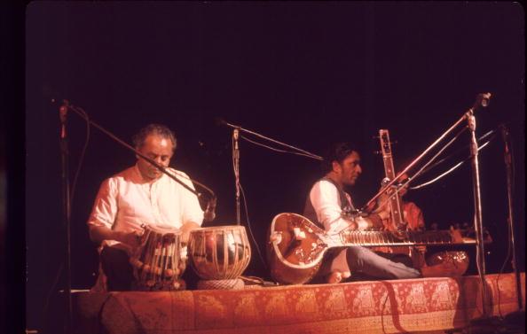 シタール「Ravi Shankar Performs At Woodstock」:写真・画像(7)[壁紙.com]